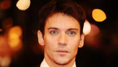 Jonathan Rhys Meyers drunkenly used the N-word during latest airport incident