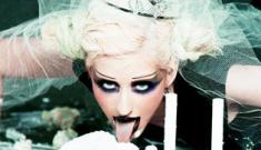 "Christina Aguilera: ""I get into girls, but I love d-ck"""