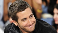 Jake Gyllenhaal & Isabel Lucas get raunchy in a Montreal club