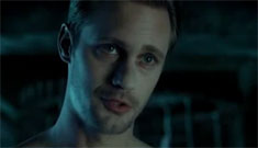 True Blood Season 3 premiere: Alex Skarsgard's butt, hot homoerotic scenes