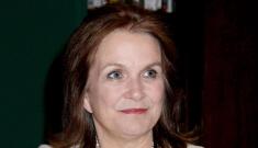 "Elizabeth Edwards identifies with how Sandra Bullock ""reclaimed"" her life"