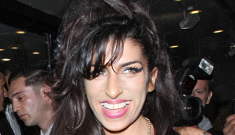 Amy Winehouse's dingy ballerina slippers take a night off: is she sober?!?