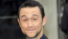 """Is Joseph Gordon-Levitt being cast as The Riddler in Batman 3?"" links"