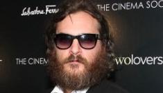 """Joaquin Phoenix's big, dumb crazyface is the poster for 'I'm Still Here'"" links"