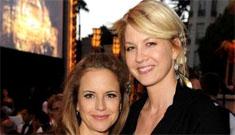 Scientologists party incl. pregnant Kelly Preston, Jenna Elfman & Nancy Cartwright