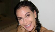 Teri Hatcher posts photos of her allegedly un-Botoxed face