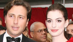 Anne Hathaway's boyfriend squeaks away from being charged for bad check