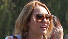 Miley Cyrus isn't wearing a bra again, is turning into Britney, y'all