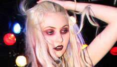 Taylor Momsen, 17, flashes her boobs during performance