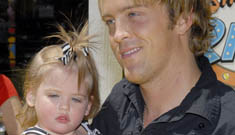 Larry Birkhead buys Anna Nicole's old lingerie for daughter Dannielynn