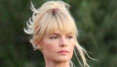 Alexander Skarsgard visits Kate Bosworth on set, so they're still together