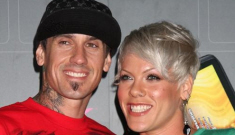 Pink confirms her pregnancy, thinks she's expecting a girl