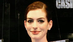 Anne Hathaway getting smarter on the red carpet!