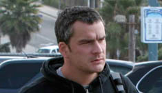 Balthazar Getty pleads with his wife to take him back (update: mistaken picture)