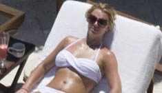 Britney Spears vacations in Mexico; bares new bikini body (update: photos)