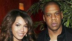 Jay-Z finally wearing wedding ring