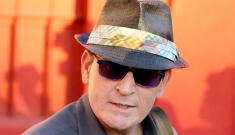 Charlie Sheen was partying with hookers & blow for Christmas
