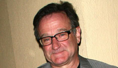 Robin Williams offers wife whatever she wants in divorce to keep his secrets