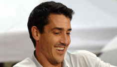 "NKOTB's Jonathan Knight releases a great ""coming out"" statement"