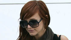 Ashlee Simpson is not fat and pregnant, she's just pregnant