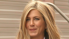 Jennifer Aniston was offered a position on SNL, turned it down for 'Friends'