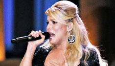 Jessica Simpson's Grand Ole Opry debut marred by near nip slip