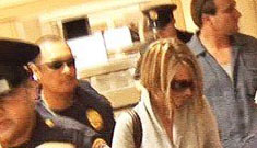 Airport police who helped Jamie Lynn Spears avoid paps are under investigation
