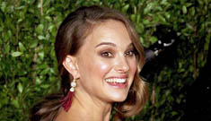 Oscar Fashion: Natalie Portman is glowing in Rodarte