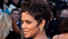 Oscar Fashion: Halle Berry's crazy eyes in sparkly nude Marchesa