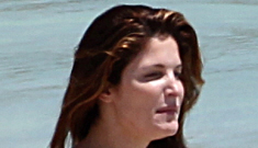 Stephanie Seymour's son manages to avoid feeling up his mom, for a change