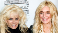 Lindsay Lohan crack-hustles her way into a photo-op with the Gottis
