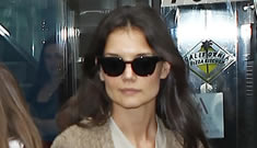 """Howard Stern thought Katie Holmes was """"in a trance,"""" Tom might do a 'Glee' cameo"""