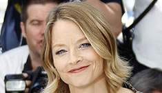 Mel Gibson leaves Jodie Foster high and dry at Cannes photocall