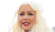 Christina Aguilera's drunk-face & drunk-ensemble: total drag queen mess?