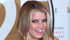 "Jessica Simpson is worried that Ashlee guzzles ""8 to 10 bottles of wine"" a week"