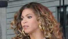 Beyonce shows her girdle; rides public transportation