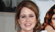 Jenna Fischer shows off her growing bump: did anyone else forget she's preggo?