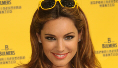Kelly Brook in high-waisted leather shorts: lust-killing or cute?