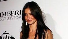 More pictures of Cameron Diaz's awful hair extensions