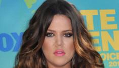 Kim & Khloe Kardashian at the Teen Choice Awards: trashy, jacked or cute?