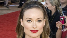 Olivia Wilde's bump-it & side-boob in Gucci: lovely, dated or tragic?