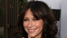 Jennifer Love Hewitt in white Monique Lhuillier: simple & pretty, or too bridal?