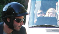 Minibus full of tourists spot Keanu Reeves, go crazy