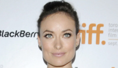 Olivia Wilde in white & gold Marchesa: sack-fug, over-dressed and try-hard?