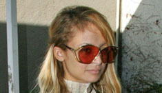 Exclusive: Nicole Richie leaving a crystal meth anon meeting (update)
