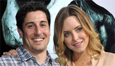Jason Biggs' wife writes long essay on their quest to hire a hooker