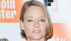 Jodie Foster's LBD & new, shorter hair: attractive or unflattering?