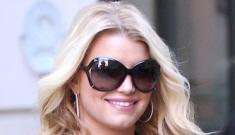 Jessica Simpson flaunts bump as Tony Romo confirms his impending fatherhood