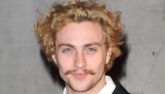 Sam Taylor-Wood (43) & Aaron Johnson (21) are still loved up & expecting
