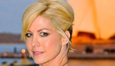 Jenna Elfman compares Scientology criticism to torture of Christians